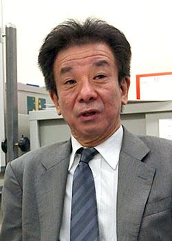 大塚 隆 氏